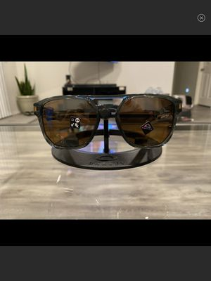 New Oakley Latch Grey Ink Olive Prizm Sunglasses for Sale in Menifee, CA