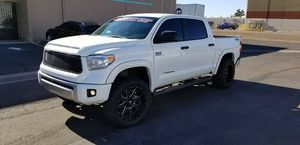 VENDO TOYOTA TUNDRA AÑO 2014 TITULO REGULAR 56 MIL MILLAS MOTOR 5.7 4X4 for Sale in Phoenix, AZ