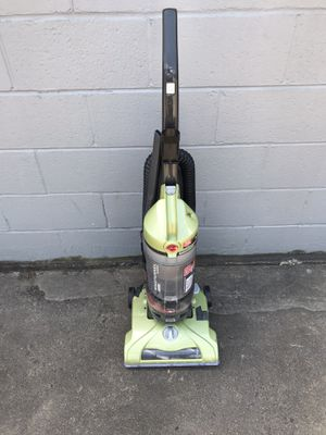 Hoover upright Bagless Vacuum for Sale in Alexandria, VA
