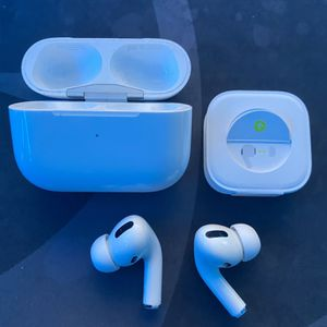 AirPod pros Clones With Noise Cancwl for Sale in Silver Spring, MD