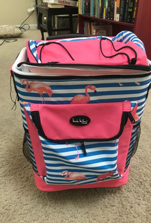 Nicole Miller Flamingo Rolling Cooler! for Sale in Columbus, OH