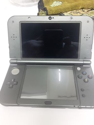 Nintendo 3ds xl grey with charger for Sale in Miami, FL