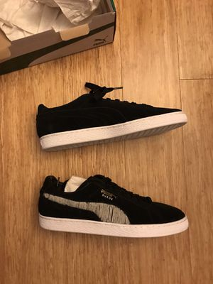PUMA (NEW) suede classic shoes black for Sale in San Diego, CA