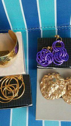 Avon Jewelry New for Sale in Nashville,  TN