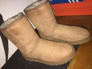 UGG boots, classic, size 8 womens for Sale in Pittsburgh, PA