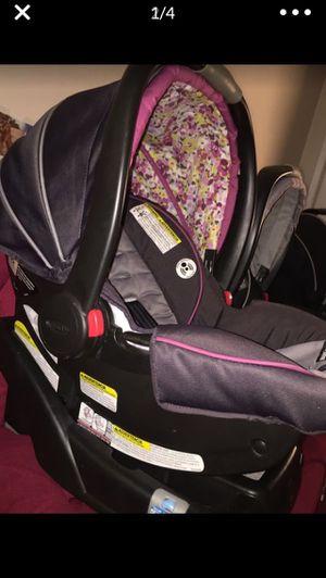 Like new Graco car seat for Sale in Southwest Ranches, FL