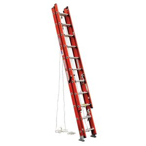 """28"""" werner fiber glass extension ladder for Sale in Denver, CO"""