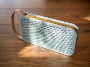 Bang and Oulfsen Bluetooth Speaker for Sale in Los Angeles, CA