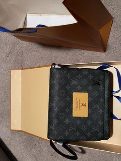 Louis Vuitton Messenger Bag LV (NEW) $900 OBO for Sale in Sicklerville,  NJ