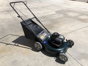 Lawn Mower 21inch cut mulch rear bagger 4.5 Briggs & Stratton lightly used for Sale in Las Vegas, NV