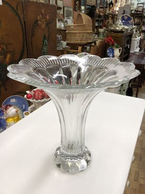 Large vintage vase heavy Crystal flower shaped for Sale in La Mesa, CA