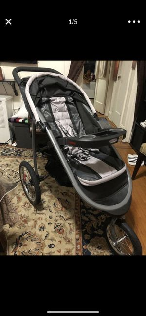 Graco stroller for Sale in Queens, NY