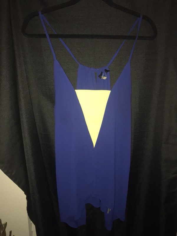 Size a large navy and yellow dress tank