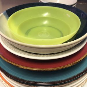 Free Plates And Bowls for Sale in Riverbank, CA