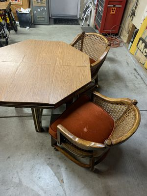 Vintage Dining Table and Chairs for Sale in Fresno, CA