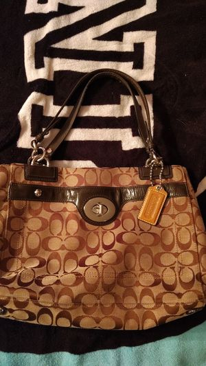 Coach purse 10 inch tall 13 Inc wide for Sale in McCleary, WA