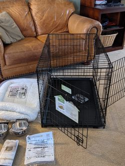 New Medium 36'' Double Door Dog Crate kit with bed + bowls + cover for Sale in Charlotte,  NC