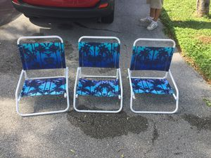 $20 for all 3 beach chairs for Sale in Palm Beach Gardens, FL