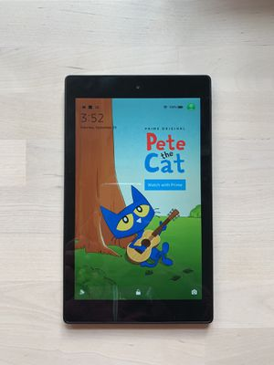 Kindle Fire HD 8 for Sale in Seattle, WA