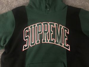 Brand New Medium Supreme Hoodie Size Medium for Sale in Queens, NY