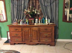 5pc king size bedroom set for Sale in Lexington, SC