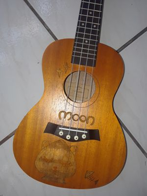 UKULELE CON BOLSA, NUEVO for Sale in Miami, FL