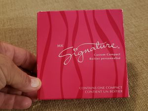 Mary Kay Signature Custom Compact for Sale in Chambersburg, PA