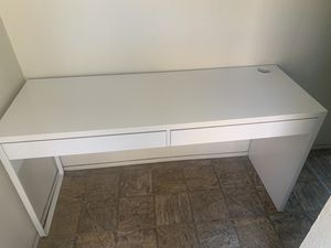 White desk Great conditions!! for Sale in San Diego, CA