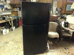 Ex Nice Kenmore Refrigerator for sale moving for Sale in Rossville, GA