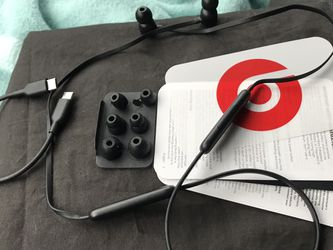 Beats By Dre Wireless Magnetic Earbuds for Sale in Akron,  OH