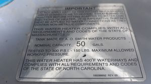 Gas water heater for Sale in Hialeah, FL