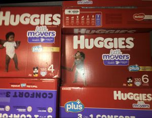 Huggies Plus Size 4/ Size 6 for Sale in Las Vegas, NV