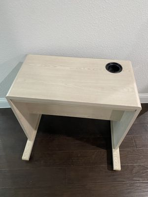 Desk for kids( rolling , it have wheels) for Sale in Frisco, TX