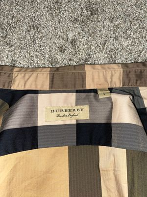 Authentic Burberry button up for Sale in Palm Harbor, FL