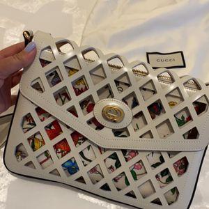 NWT And Dust Bag Gucci Crossbody Bag for Sale in Hialeah, FL