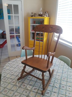 Kids rocking chair for Sale in Henderson, NV