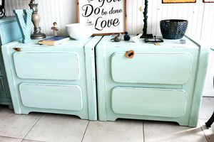 2 Night Stands for Sale in St. Petersburg, FL