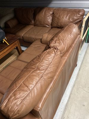 Leather couch and loveseat for Sale in Valrico, FL
