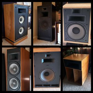🇺🇸 VINTAGE KLIPSCH HI-FI STEREO SPEAKERS / NOTHING BEATS HORNS / THE WAY MUSIC IS MEANT TO BE HEARD 🎶🎼🎶 for Sale in Maricopa, AZ