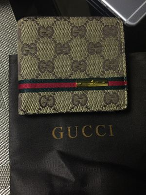 Guccie wallets for Sale in Bedford Park, IL