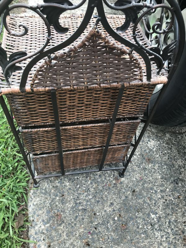 Small Wicker 3 drawer shelf with wrought iron frame