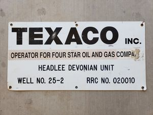 Texaco Gas & Oil Well Metal Marker Sign - Man Cave Petroliana Yard Art Wall Hanger for Sale in Buckeye, AZ