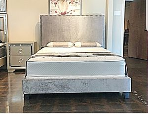 BRAND NEW KING SIZE BED AND MATTRESS (FREE DELIVERY) for Sale in Oklahoma City, OK