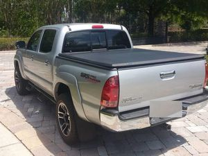 Low miles O6 Toyota Tacoma for Sale in Tucson, AZ