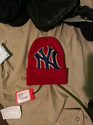 Official Gucci Hat Never Worn ( NY edition ) for Sale in Prospect Park, NJ