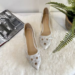 Size 10 Elegant Pointed Toe Rhinestone Mesh Flats for Sale in Las Vegas, NV