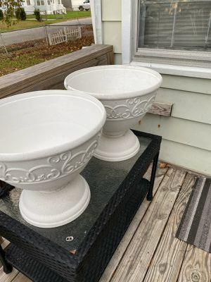 Plastic flower pots $40 for Sale in Hampton, VA