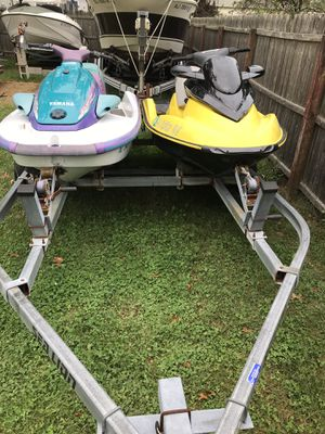 TWO SKIS DOUBLE TRAILER for Sale in Berkeley Township, NJ