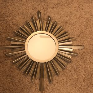 Wall mirror decor for Sale in Baltimore, MD