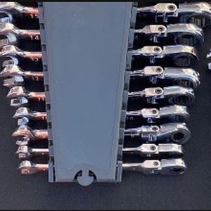 Metric Wrench Sets (Flex/Ratcheting, Ratcheting, Universal) 30 pieces + 3 cases for Sale in Henderson, NV
